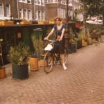 Gulla á sínu elskaða reiðhjóli í Amsterdam